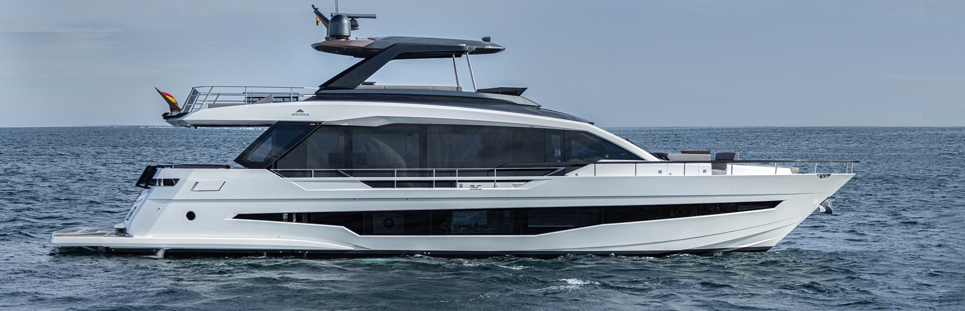 AS8 Yacht Charter