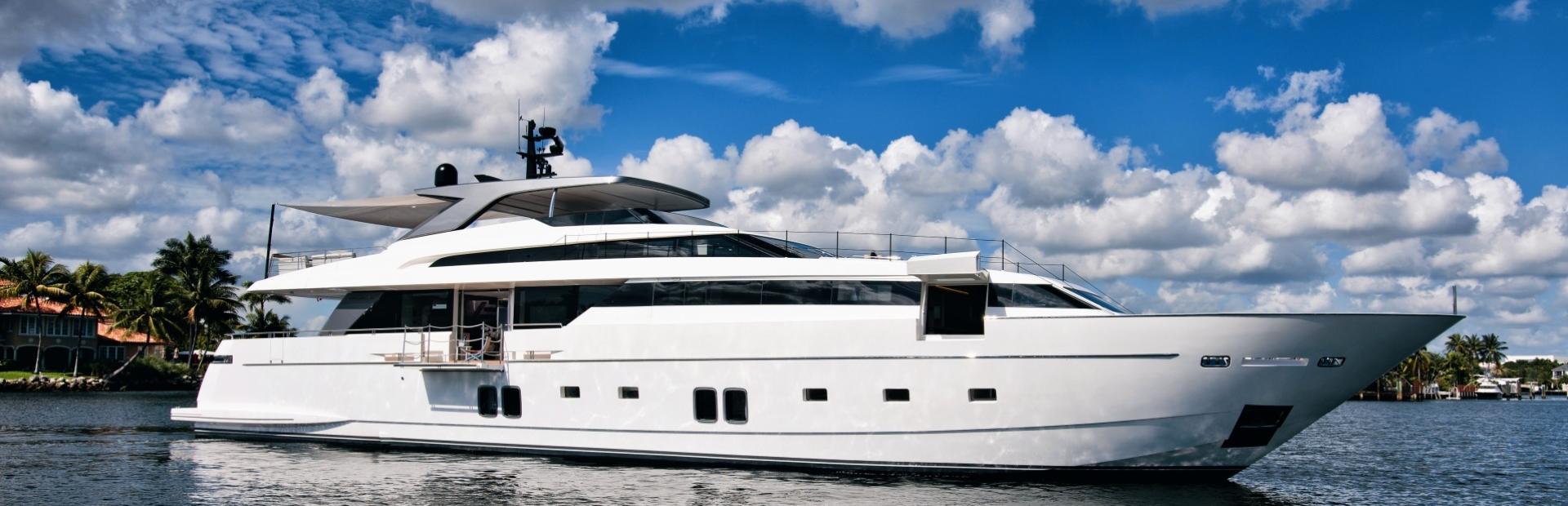 SL118 Yacht Charter