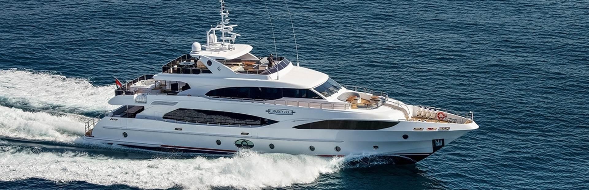 Majesty 125 Yacht Charter