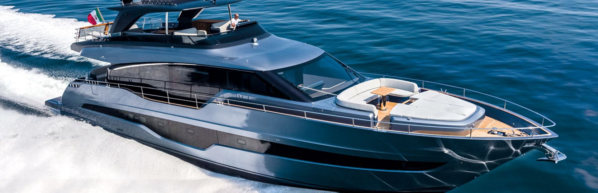 Settantotto Yacht Charter