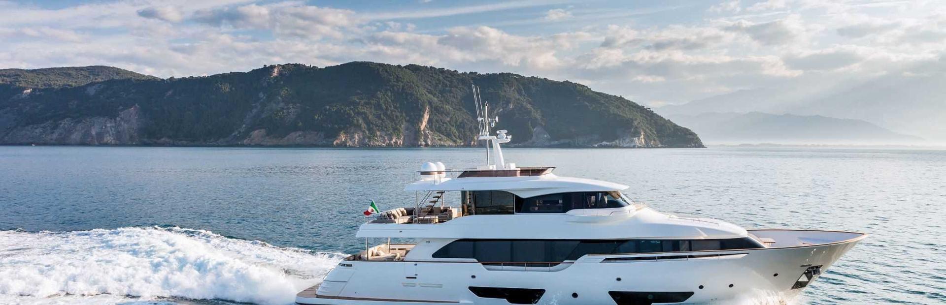 Navetta 28 Yacht Charter