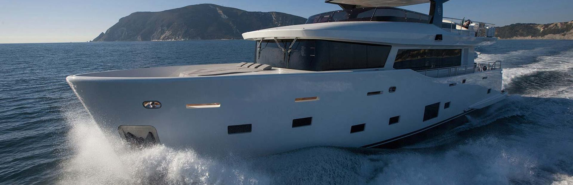 Cantiere Delle Marche Nauta Air 90 Yacht Charter