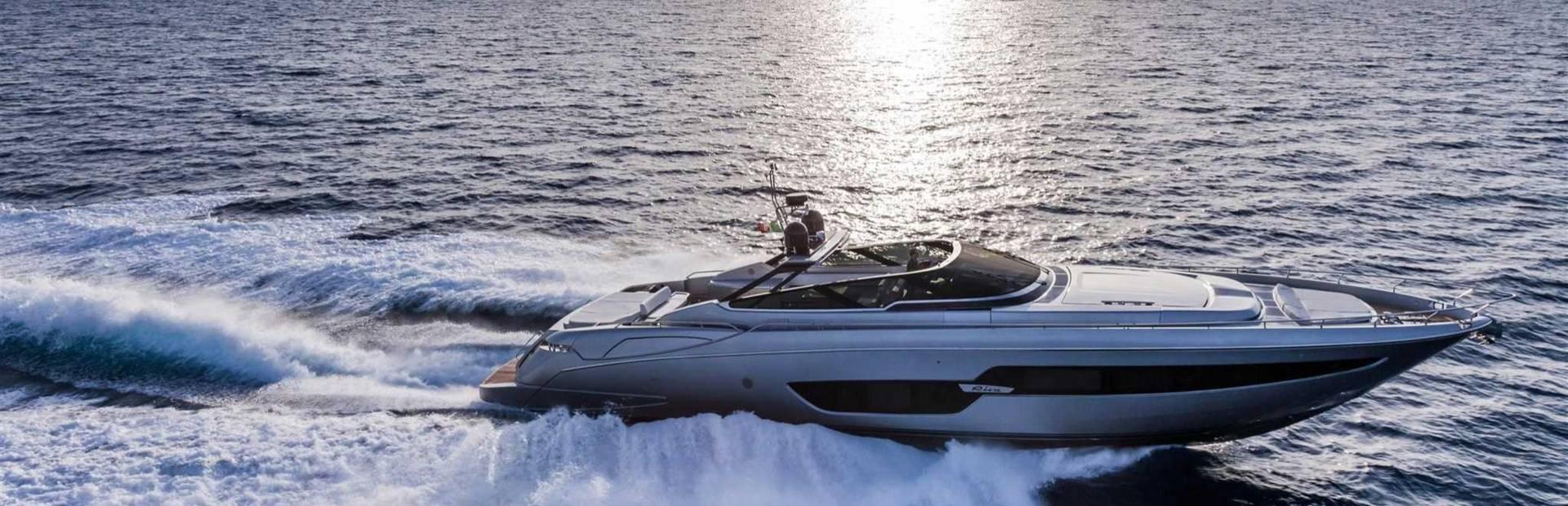 88' Florida Yacht Charter