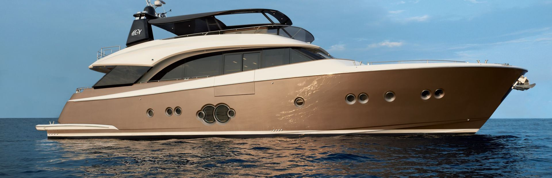 MCY 86 Yacht Charter