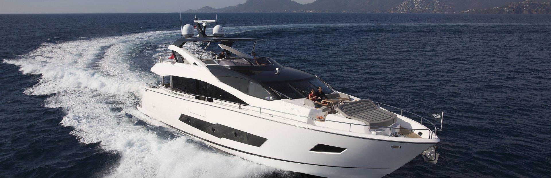86 Yacht Yacht Charter