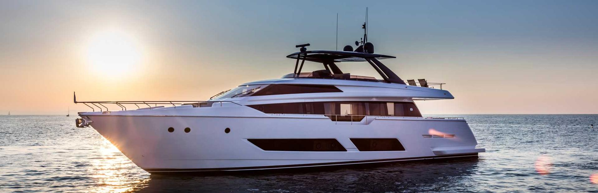 Ferretti Yachts 850 Yacht Charter