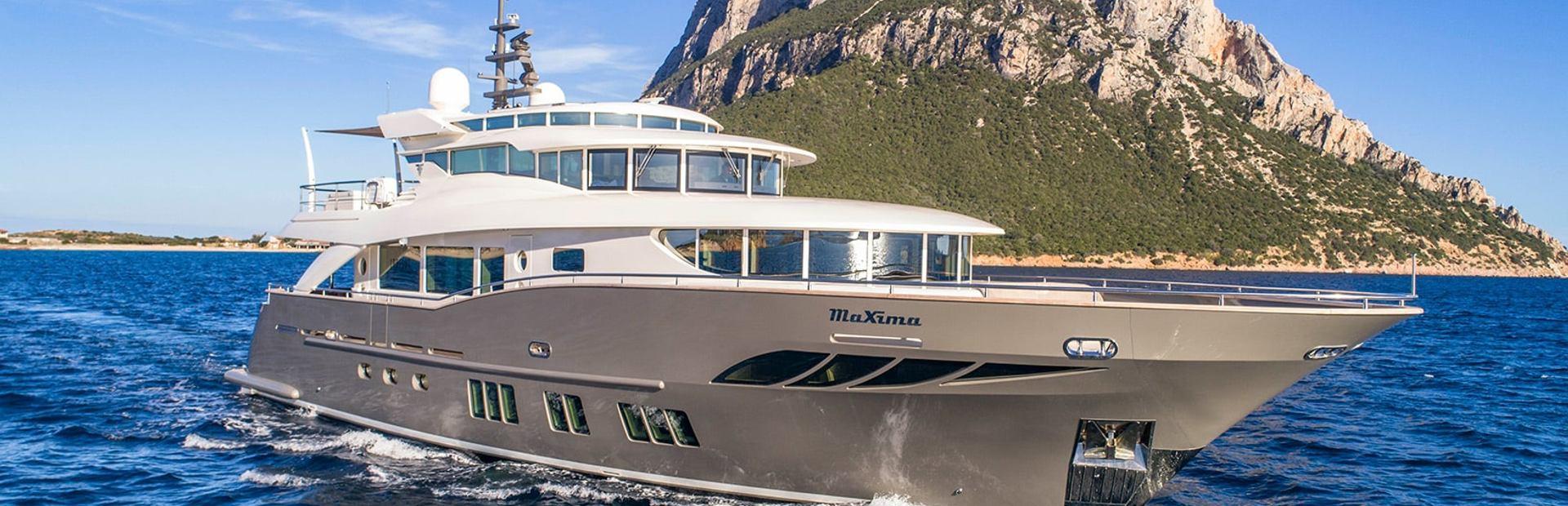 Navetta 26 Convertible Yacht Charter