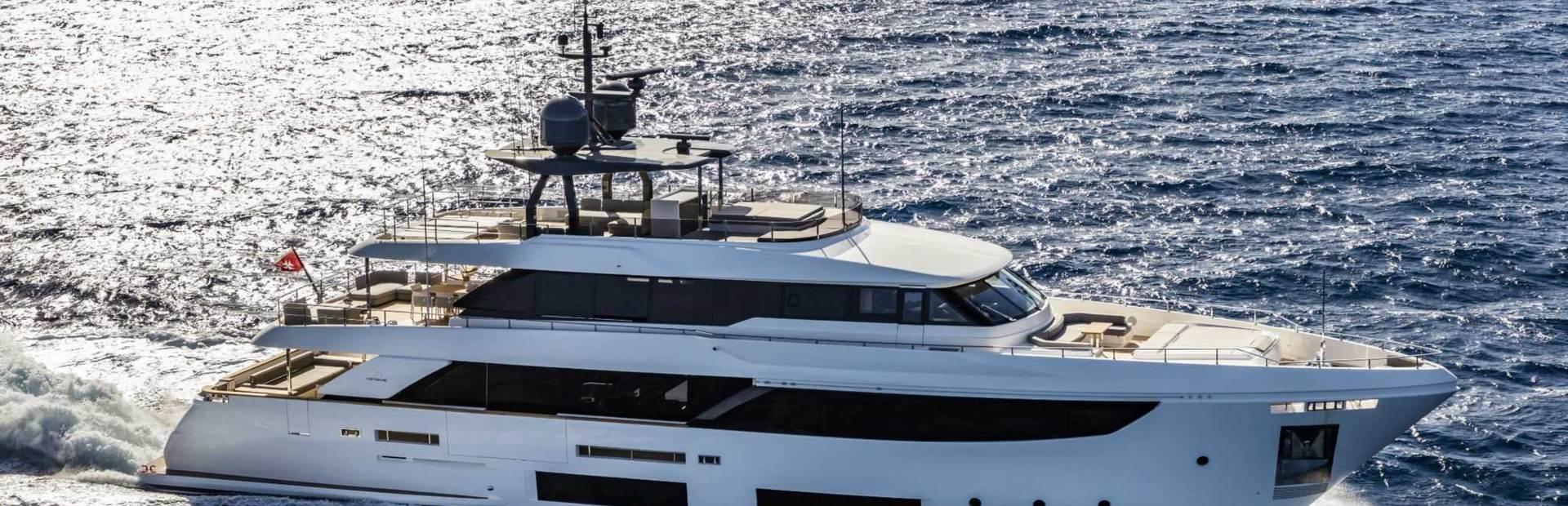 Navetta 33 Yacht Charter