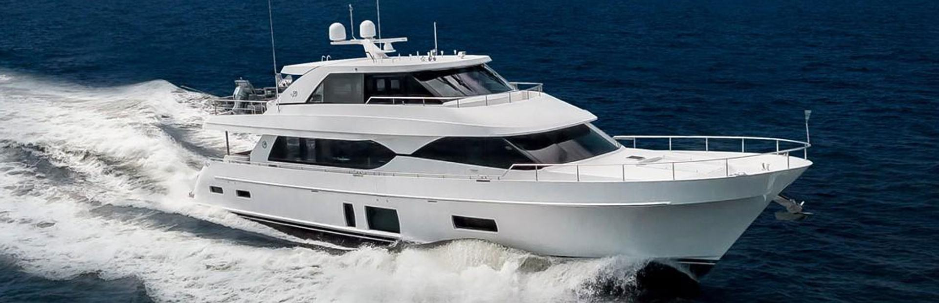 90 Skylounge Yacht Charter