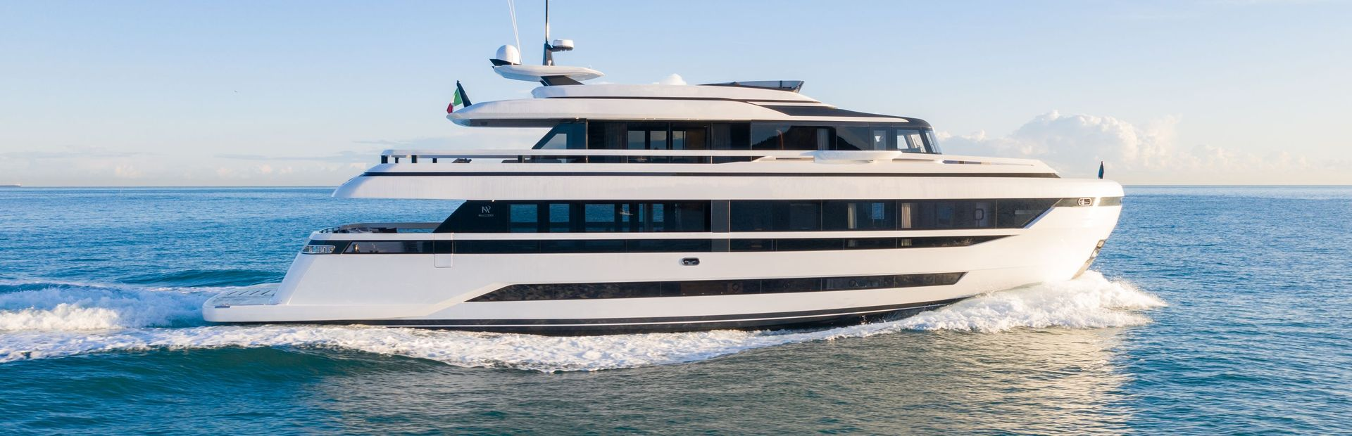 Extra 93 Yacht Charter