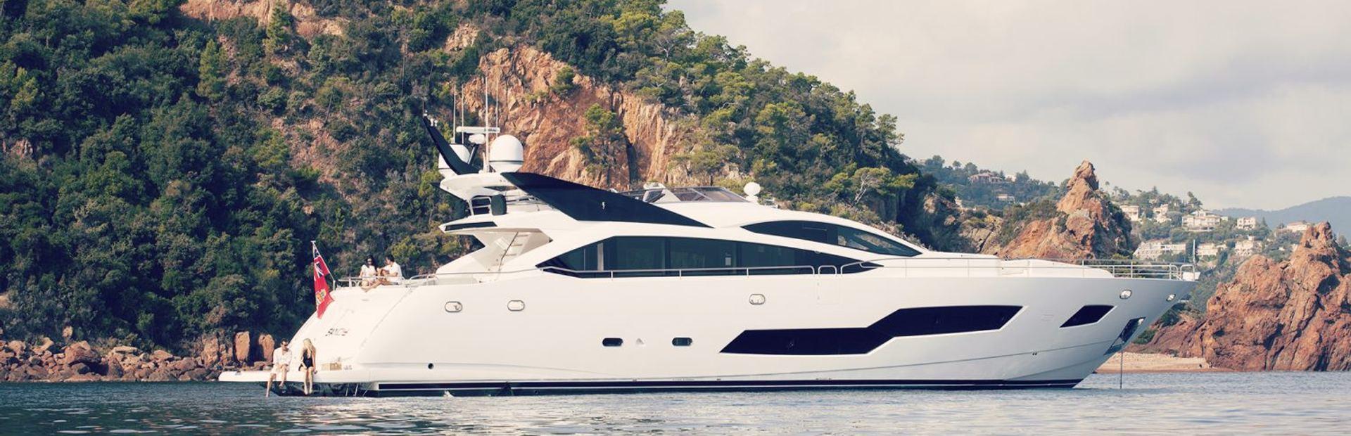 101 Sport Yacht Yacht Charter