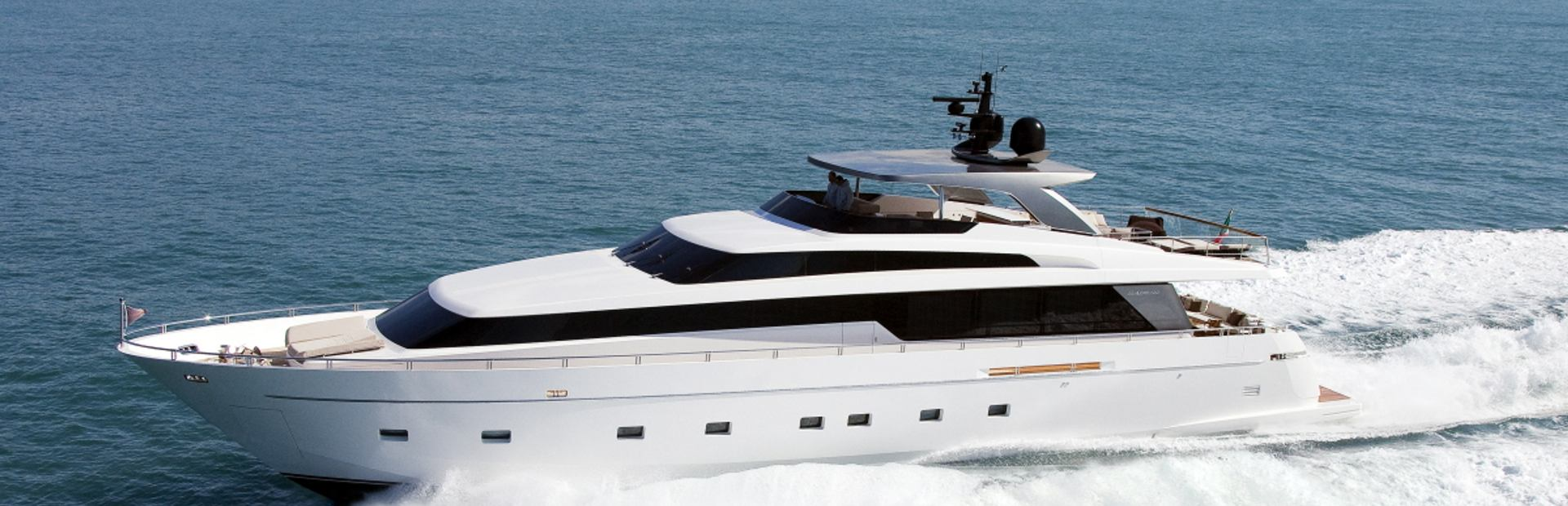 SL100 Yacht Charter
