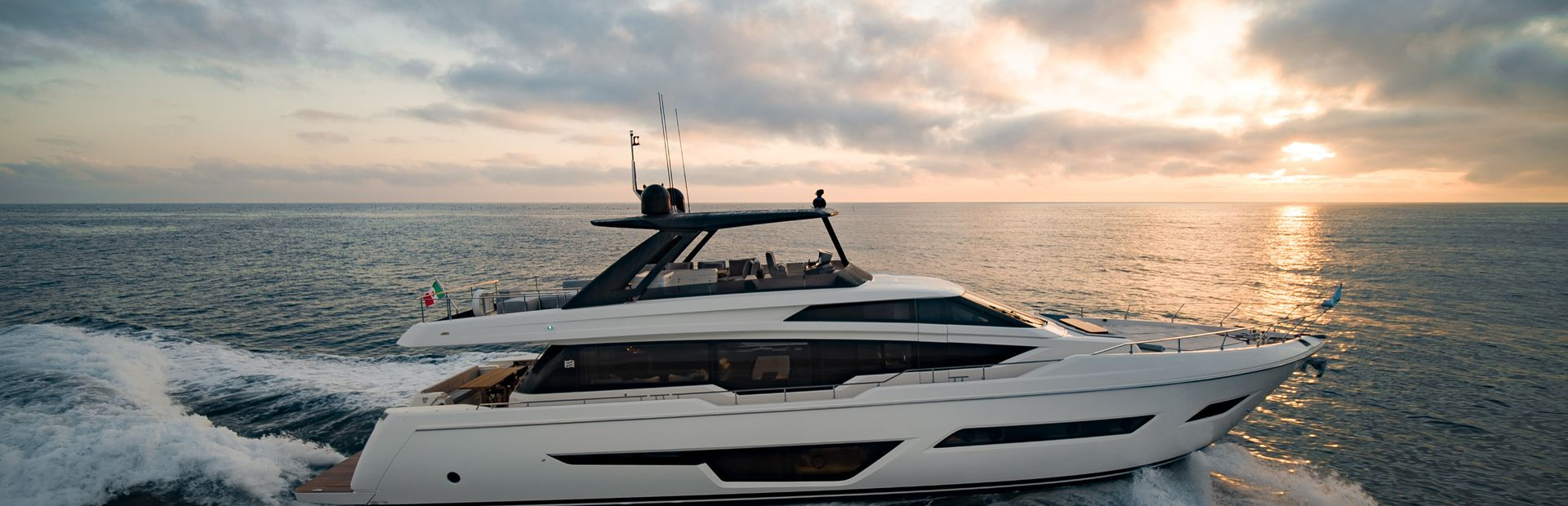 Ferretti Yachts 780 Yacht Charter