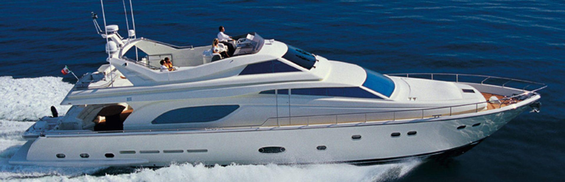 Ferretti Yachts 810 RPH Yacht Charter