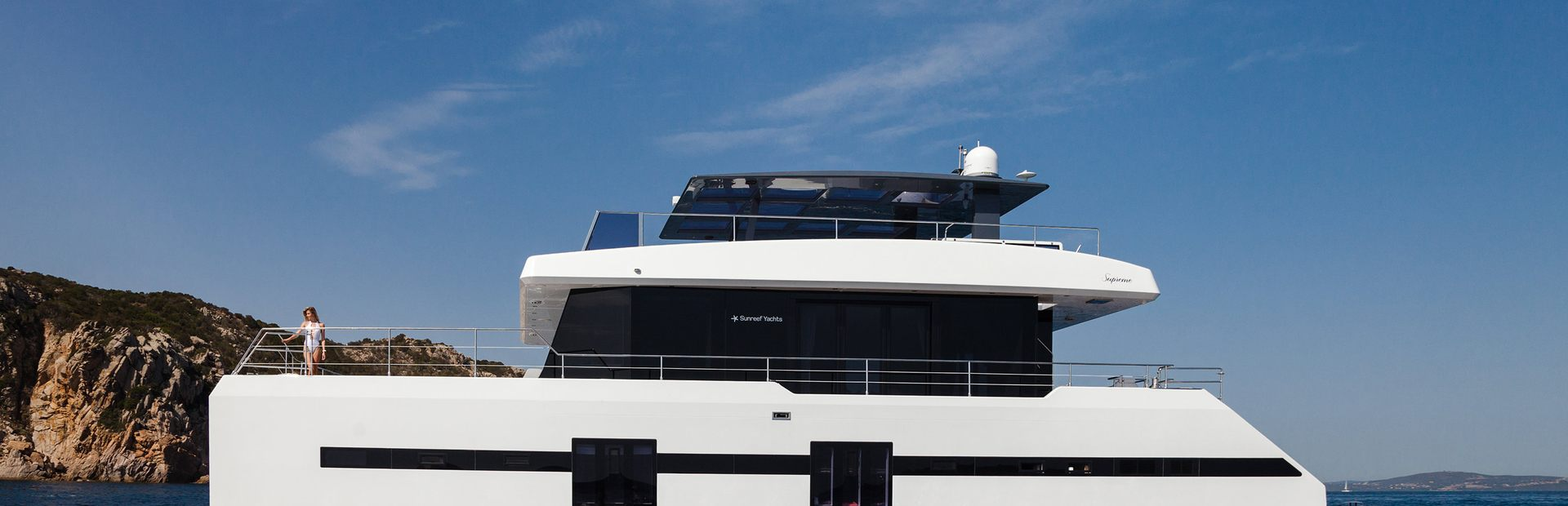 Supreme 68 Power Yacht Charter