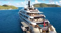 Luxury yacht Here Comes the Sun in the Caribbean