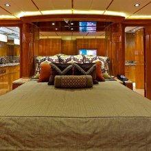 C'est La Vie Yacht