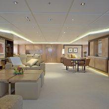 Huntress Yacht Open Lounge