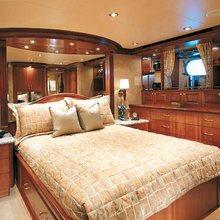 Wonder Yacht Queen Stateroom