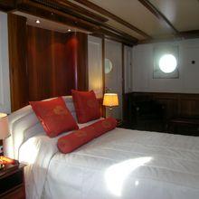 Elsa Yacht Guest Stateroom - Windows