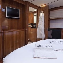 Seabiscuit Yacht Owner stateroom bathroom