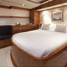 Seabiscuit Yacht Owner stateroom