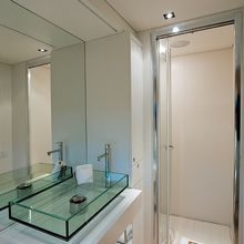 Yam 2 Yacht Shower Room