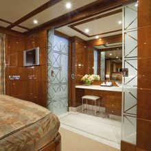 BB Yacht Guest Stateroom - Bathroom Doors Open
