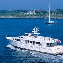 Fae Lon Yacht