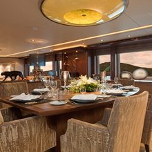 4YOU Yacht Dining Table