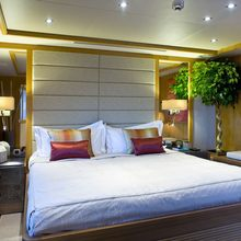 H Yacht Guest cabin
