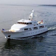 Rena Yacht Running Shot - Front