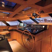 Norfolk Star Yacht Flybridge