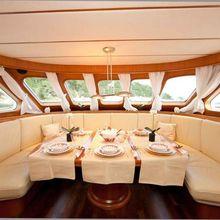 Jumbo Yacht