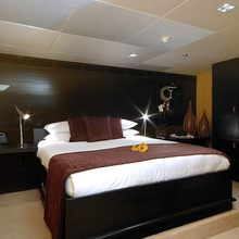 "Slo Mo Shun Yacht Guest ""Bamboo"" Stateroom"