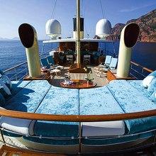 Arriva Yacht Sundeck