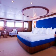 Regulus Yacht Master Stateroom - Bed