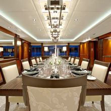 Huntress Yacht Dining Table