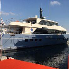 Jewel Yacht
