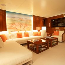 Dragonfly Yacht Master Salon