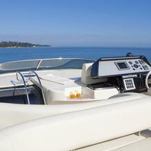 Stingray M Yacht