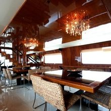Zenith Yacht Dining Table