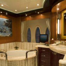 Reef Chief Yacht Master Bathroom