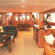 Center Ring Yacht