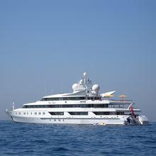H Yacht Profile shot