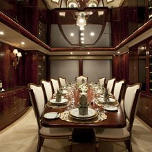 Bella Yacht Dining Salon - Table View