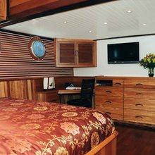 Surfbird Yacht