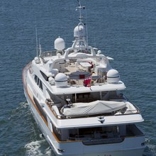 Il Sole Yacht Underway