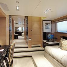 Hom Yacht