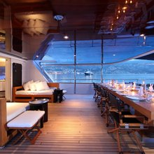 Tugatsu Yacht Exterior Table